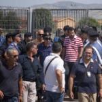 Salvini al Cara di Mineo: «Renzi e Alfano dove sono? Sciacallo è chi piange morti che si potevano evitare»
